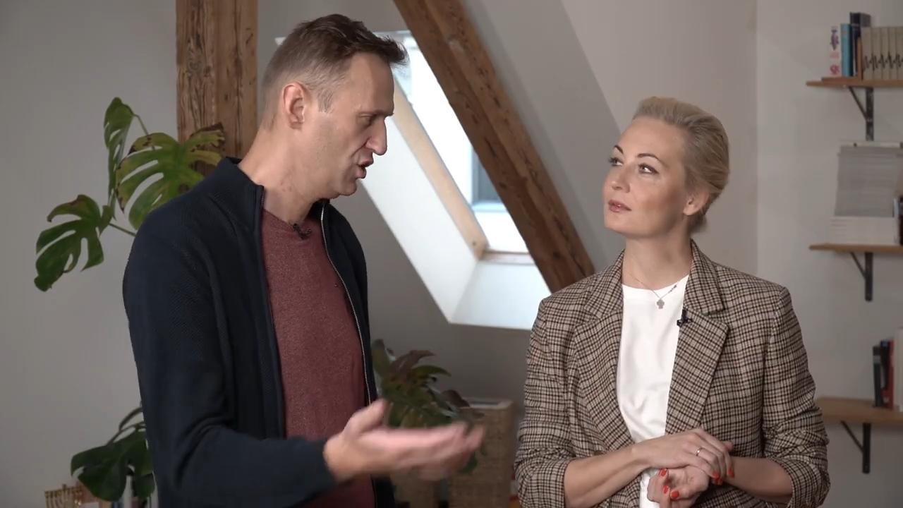 51-Навальные – интервью после отравления