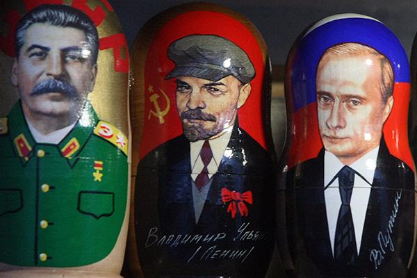 20160124-Как президент России отзывался о вождях и большевиках-Матрешки