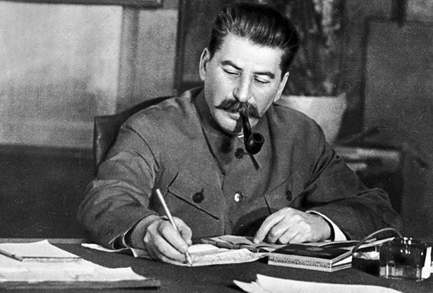 20160124-Как президент России отзывался о вождях и большевиках-Сталин
