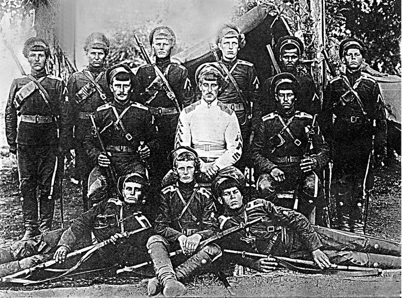 Атаман Б. В. Анненков со своим конвоем