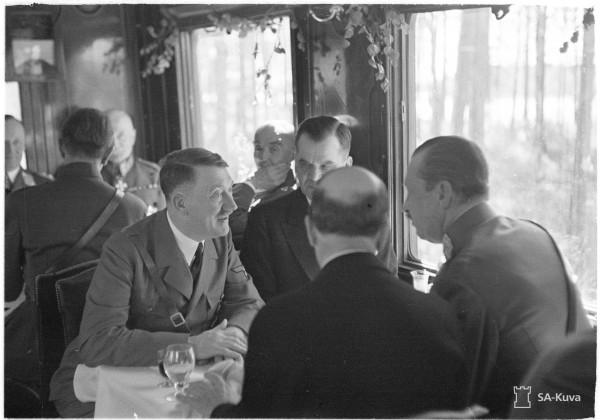 Гитлер и Маннергейм. 4 июня 1942 г.