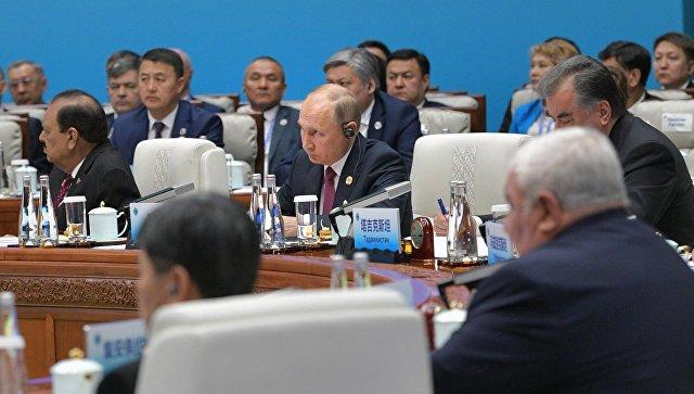20180610_09-38-Путин прокомментировал предложение Трампа вернуть Россию в G8