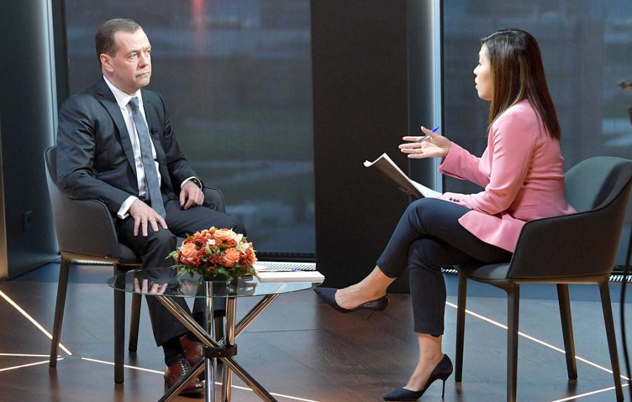 20181018_13-32-Медведев ожидает, что ситуация вокруг пенсионных изменений будет успокаиваться