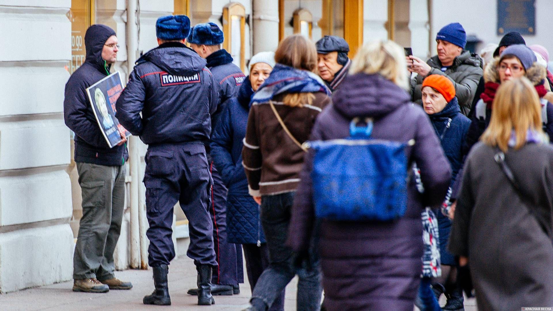 20181117_14-30-Петербуржцам показали депутатов, сказавших «да» пенсионной реформе (ФОТО)-pic6