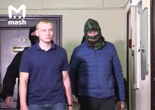 20190705_16-16-Помощник путинского полпреда оказался гражданином страны НАТО со шпионской аппаратурой-pic1
