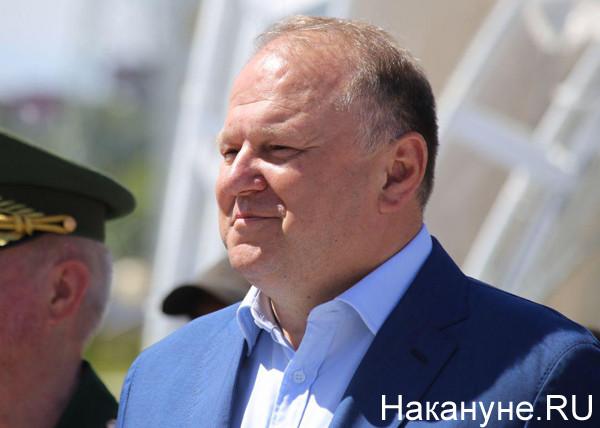 20190705_16-16-Помощник путинского полпреда оказался гражданином страны НАТО со шпионской аппаратурой-pic3