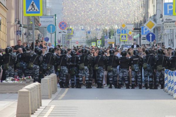20190727_13-17-В Москве пахнет болотом. В столице началась акция протеста - онлайн-pic4