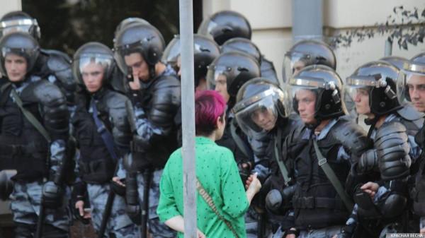 20190727_13-17-В Москве пахнет болотом. В столице началась акция протеста - онлайн-picB