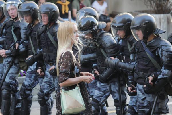 20190727_13-17-В Москве пахнет болотом. В столице началась акция протеста - онлайн-picC