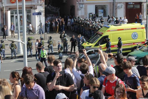 20190727_13-17-В Москве пахнет болотом. В столице началась акция протеста - онлайн-picJ