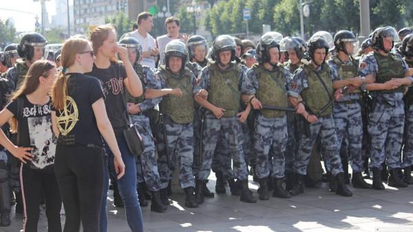 20190727_13-17-В Москве пахнет болотом. В столице началась акция протеста - онлайн-picK