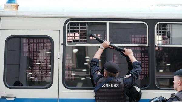 20190727_13-17-В Москве пахнет болотом. В столице началась акция протеста - онлайн-picV