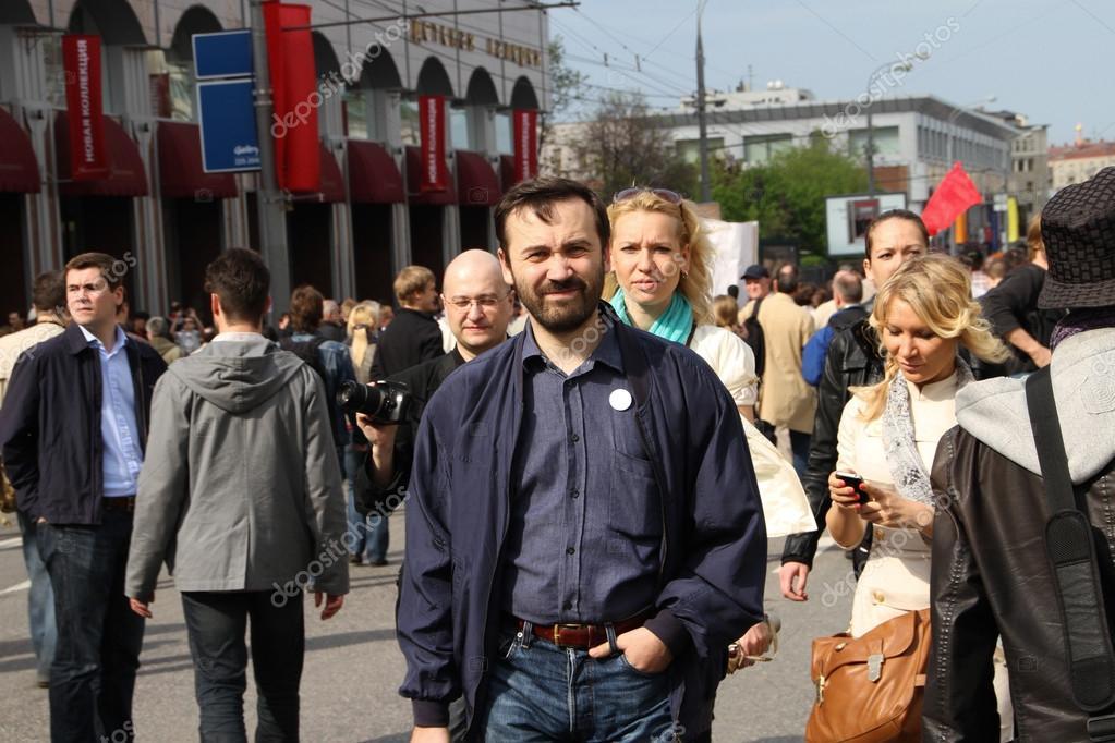 Илья Пономарев и Алена Попова на митинге оппозиции митинг. 6 мая 2012, Болотная площадь, Москва
