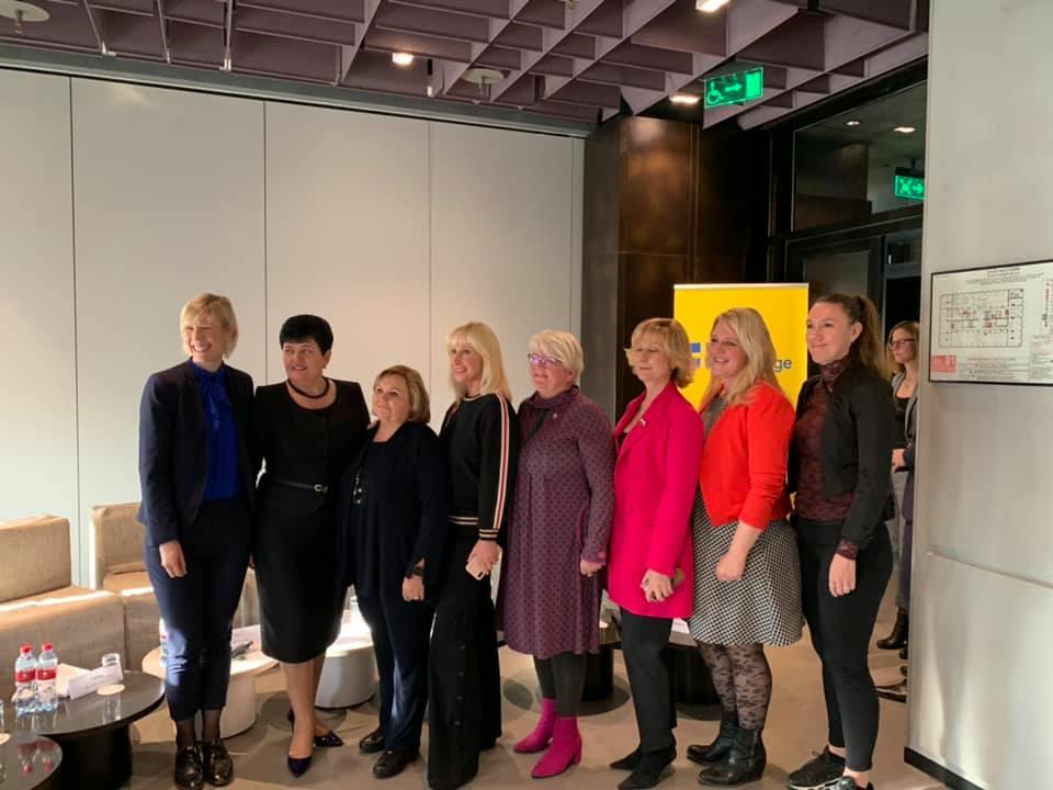 20191122-Утренняя дискуссия между парламентариями и экспертами из России и Швеции по вопросам гендерного равенства и насилия против женщин-pic4