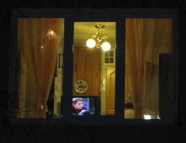 podglyadivayut-v-nochnie-okna