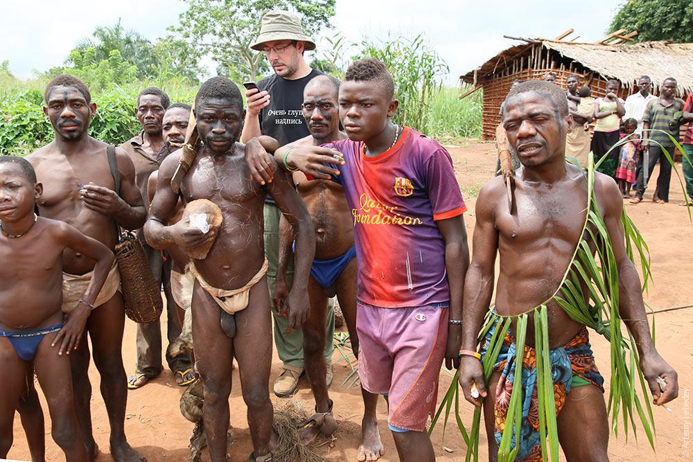 племена зимбабве парни с большими яйцами и членами фото