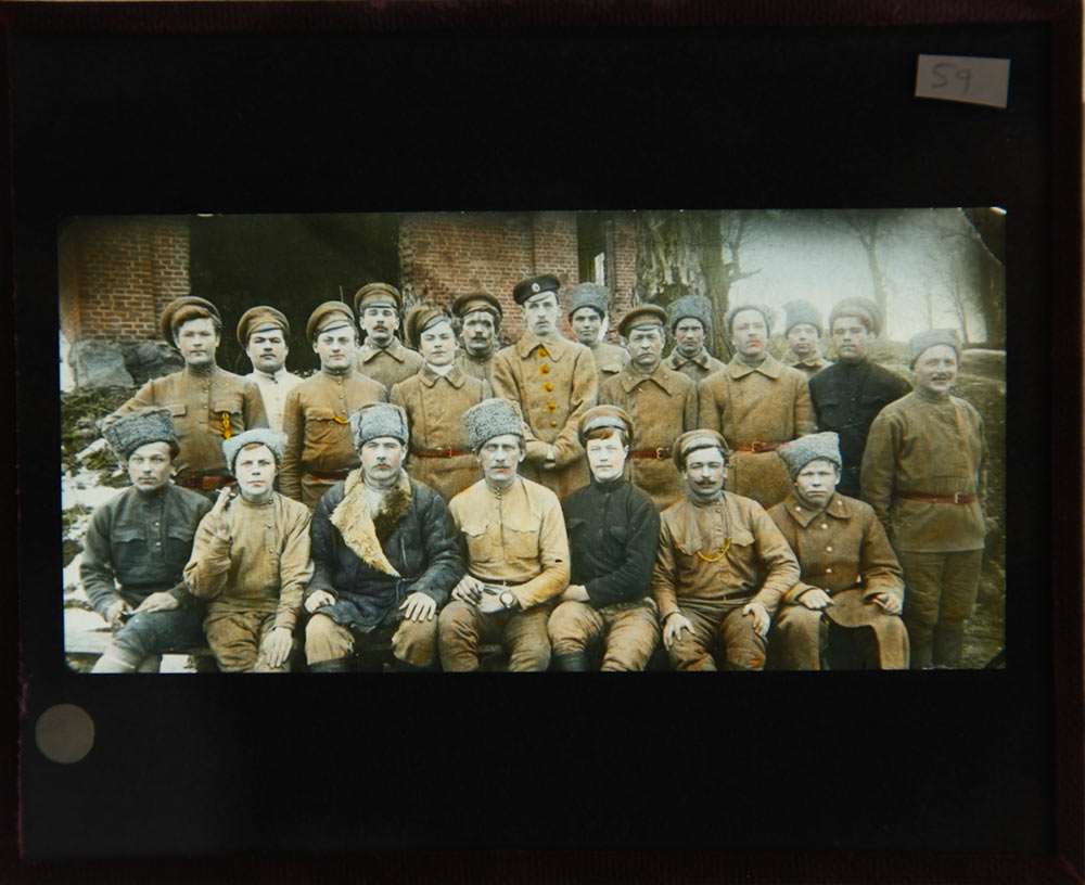 59-RUSSIA-Y-GROUP-OF-SOLDIERS-TWO-ROWS,-FRONT