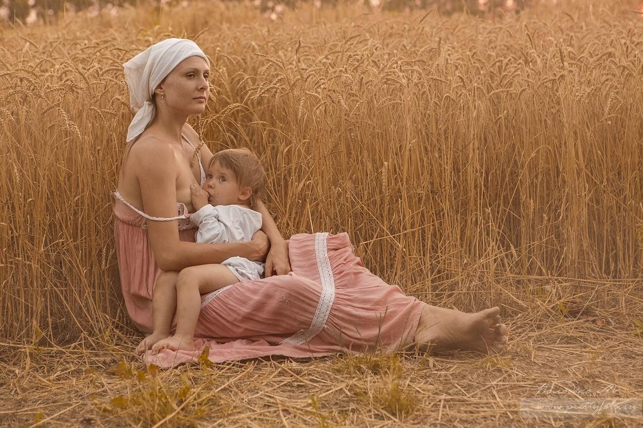 Молодая русская мамочка
