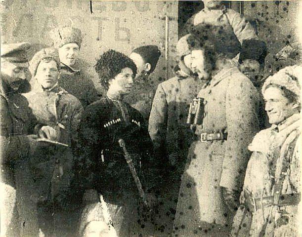 Мокиевская-Зубок- единственная известная женщина-командир бронепоезда