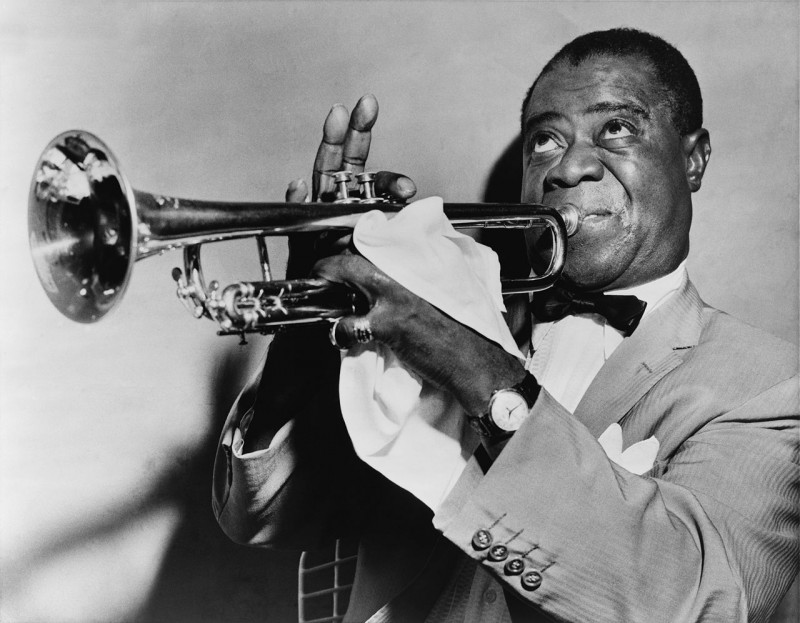 1280px-Louis_Armstrong_restored