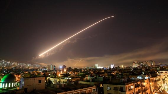 США, Франция и Великобритания напали на Сирию