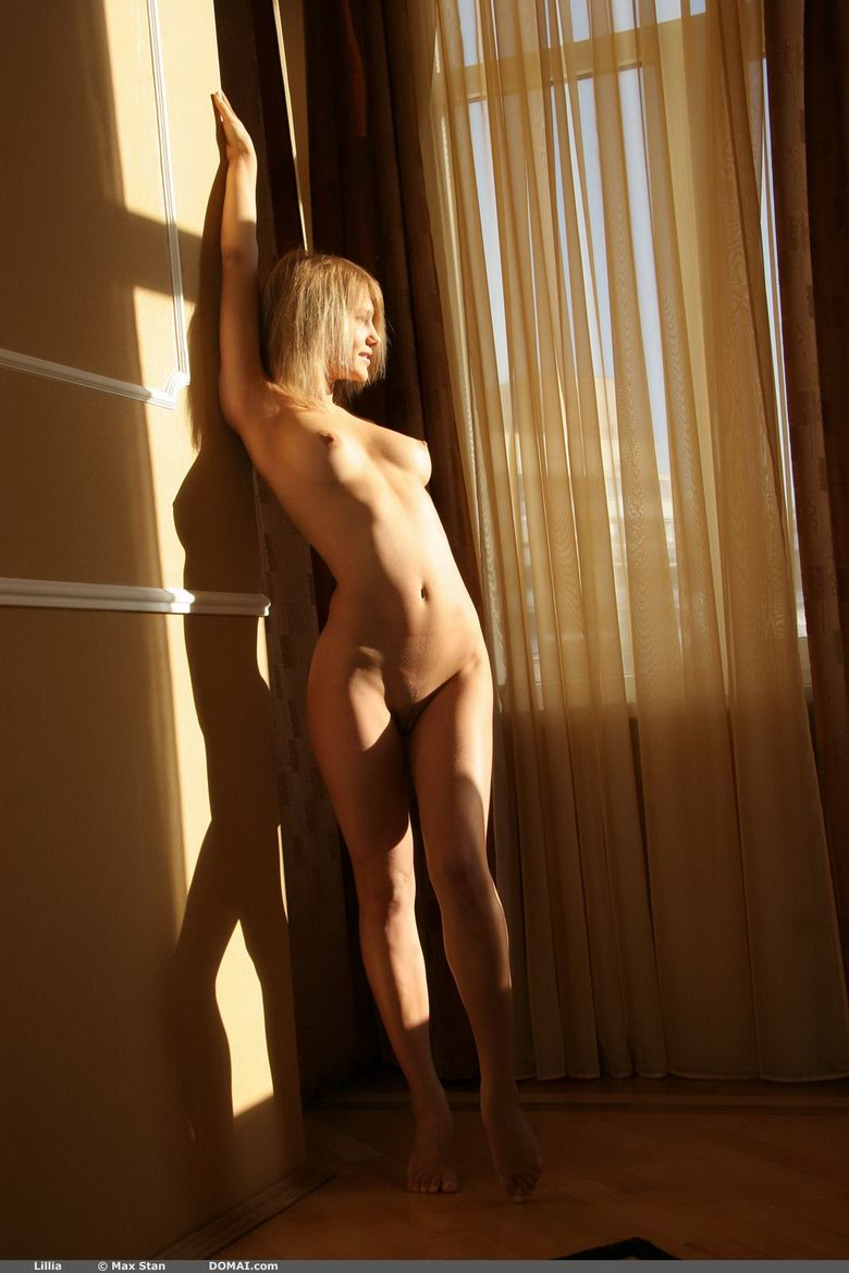 Girl-by-the-window-04