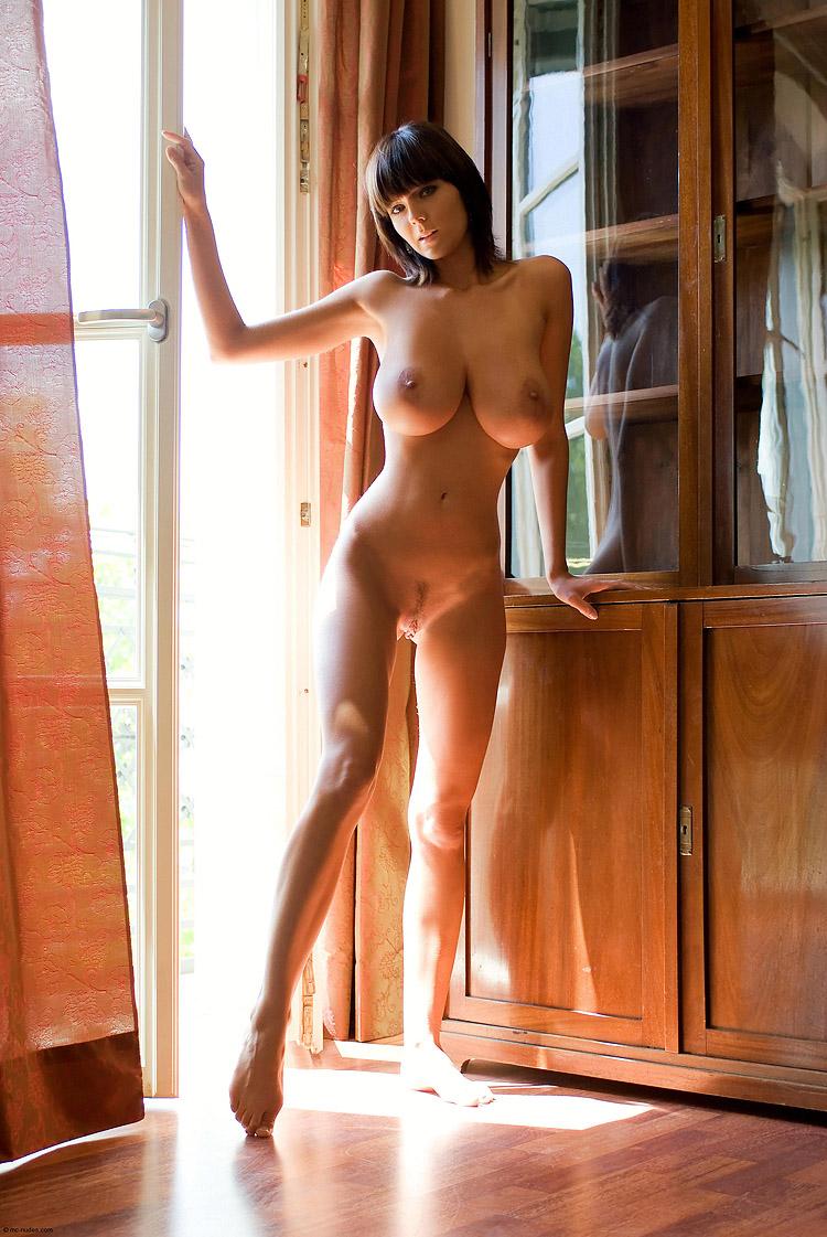 Чешская модель с большими сиськами 23 фотография
