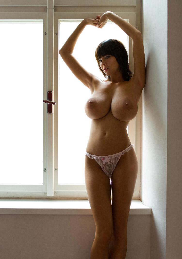 Тощие высокие с большой грудью видео