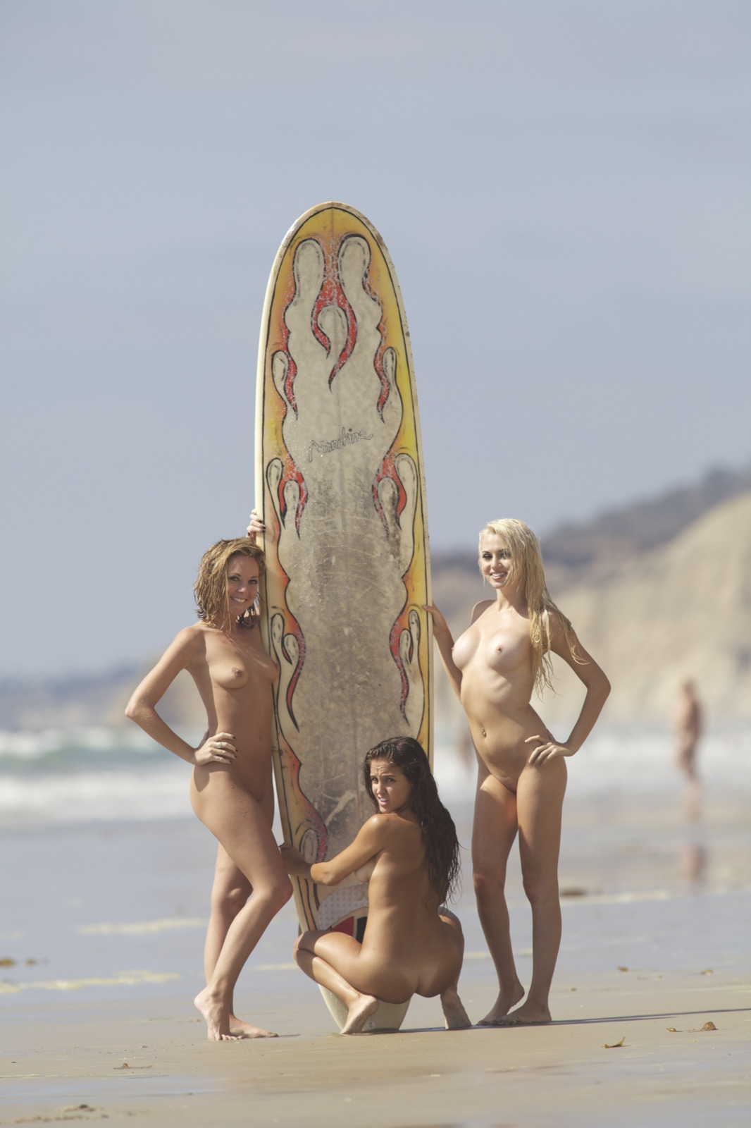 Nude Surfing 20
