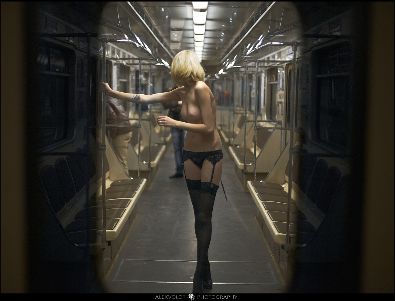 Эротическая история секс в метро 5 фотография
