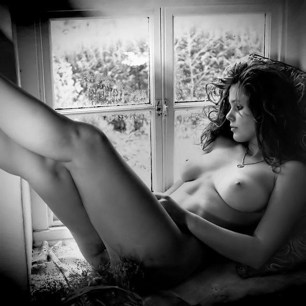 в окнах фото эротика