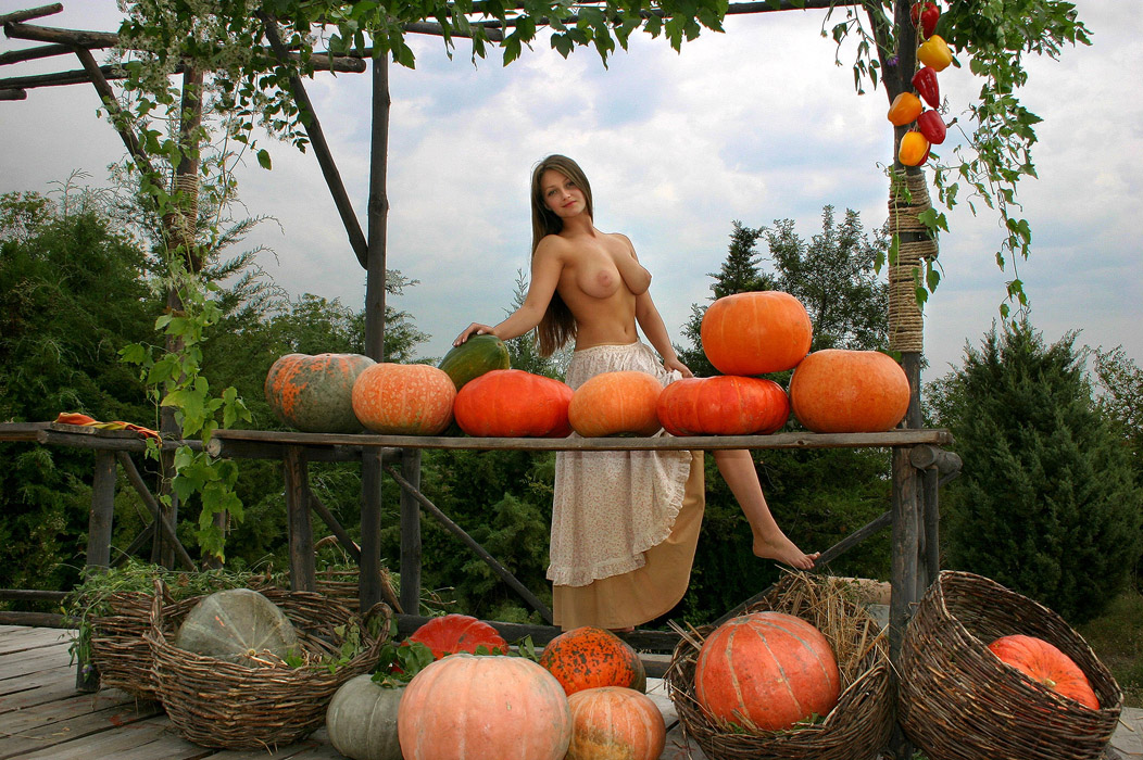 Pumpkins Nude Pictures, Images And Galleries