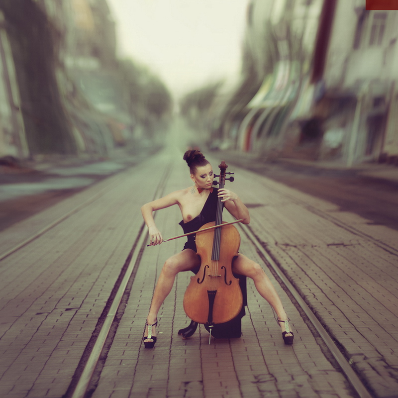 Музыкальная эротика.