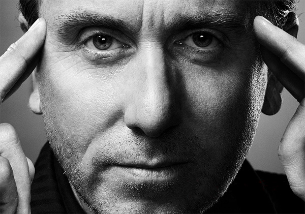 Cal Lightman (Tim Roth)