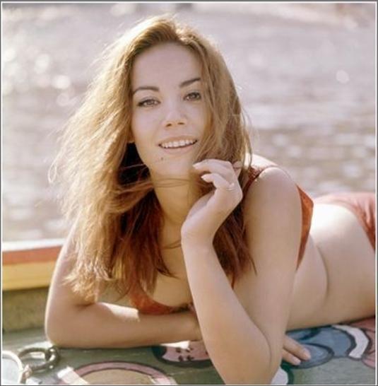 Claudine Auger 11