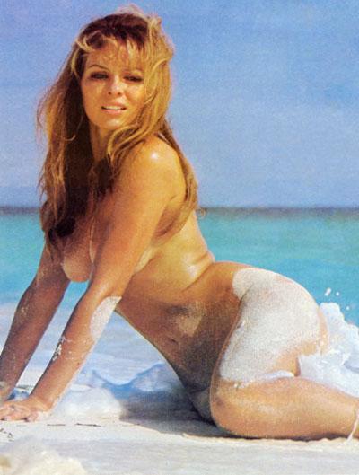 Julie Ege 02