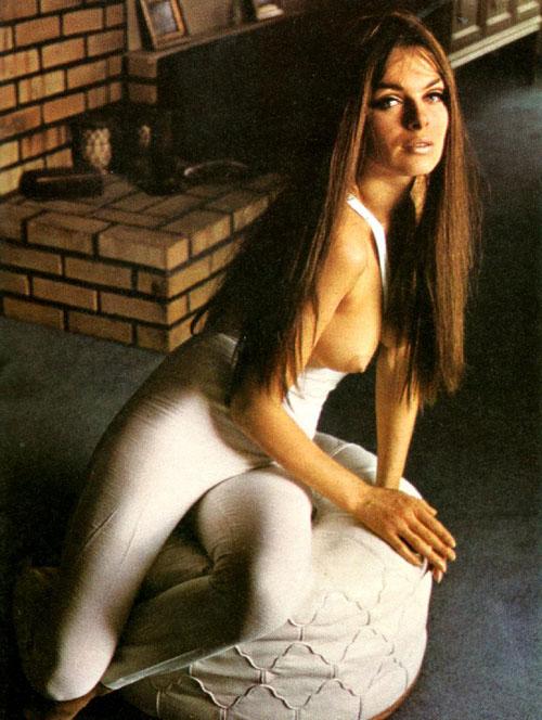 Julie Ege 07