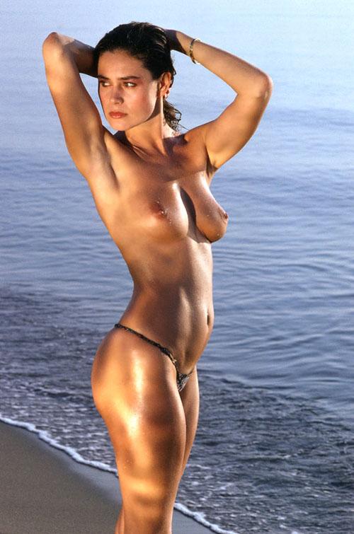 Corinne Clery 3