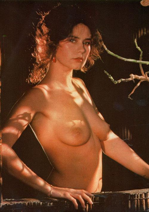 Corinne Clery 5