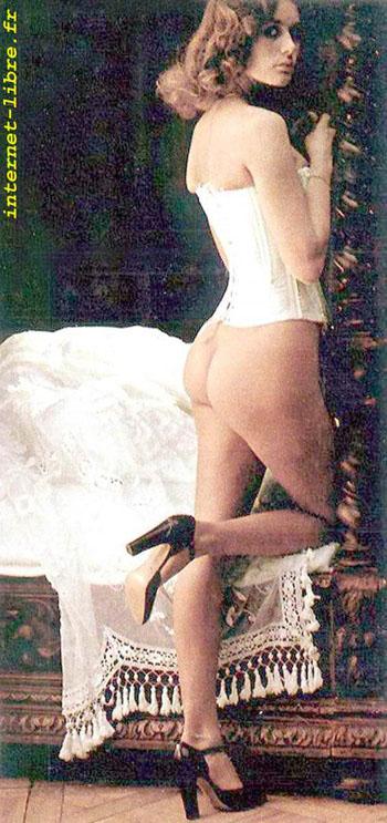 Corinne Clery 6