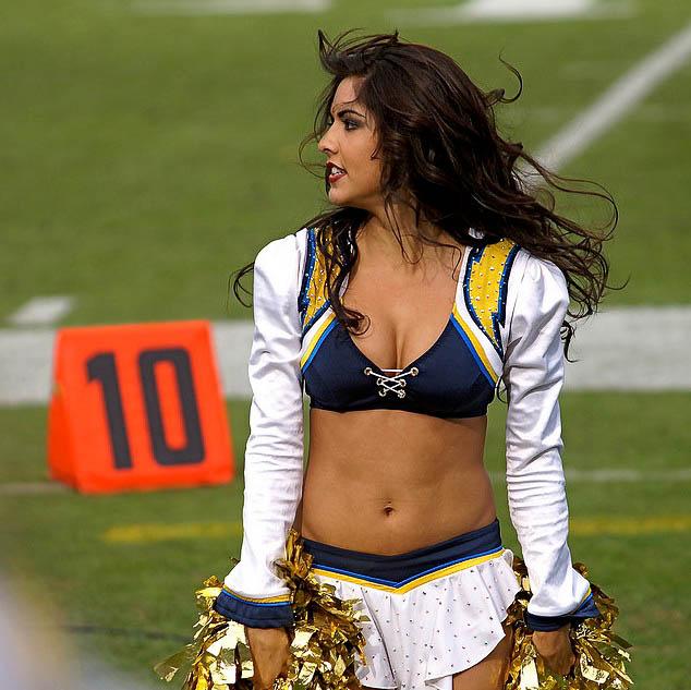 Cheerleader 04