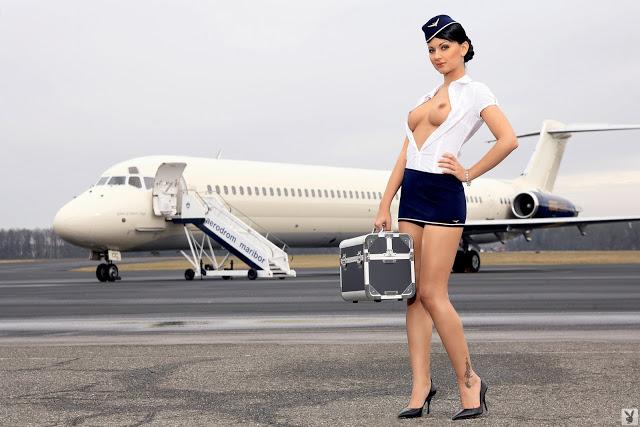 Stewardess 01