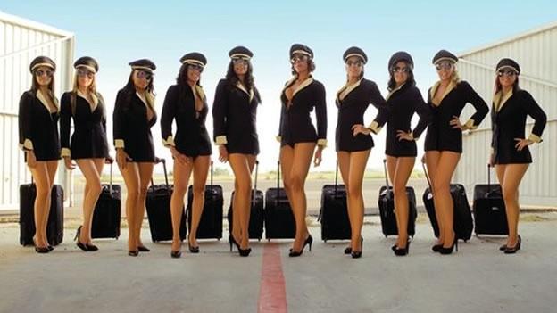 Stewardess 02