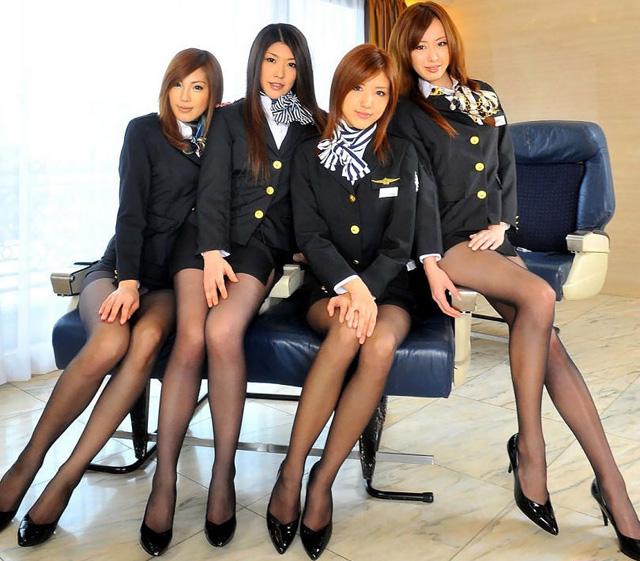 Обнажённые японские стюардессы