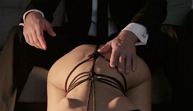 Красивое эротическое видео с bdsm-уклоном