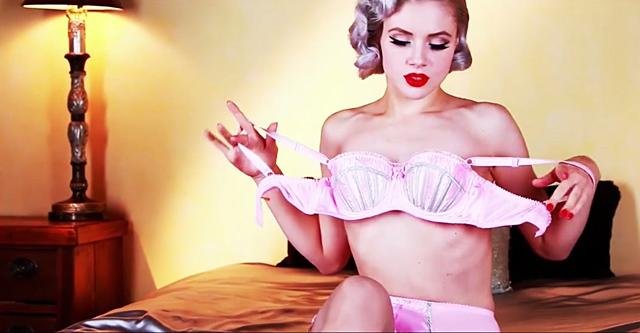 Красивое эротическое видео в стиле pin-up