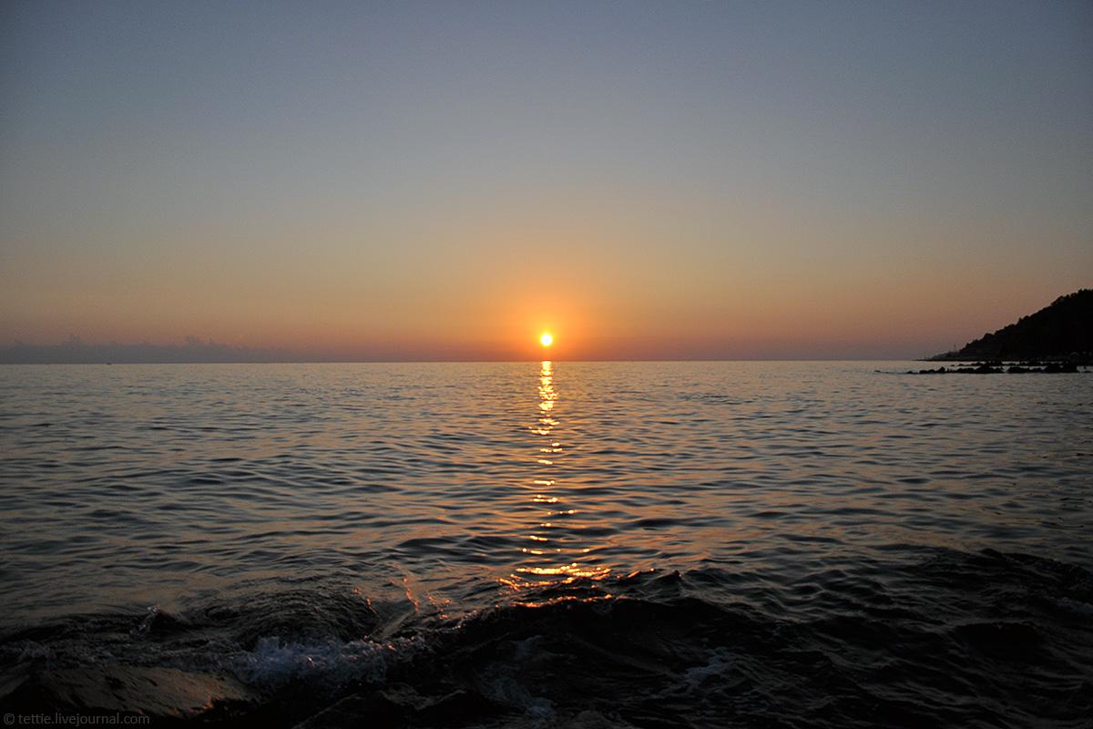 Вечер на побережье Большого Сочи