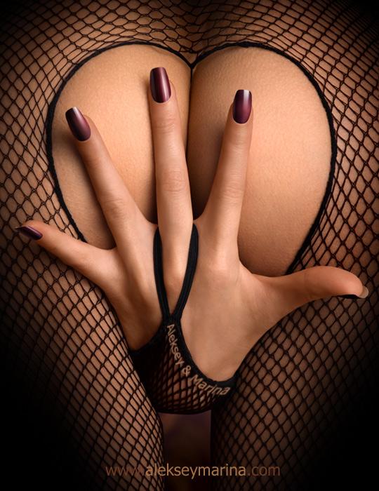 Обнаженные голые женские попки