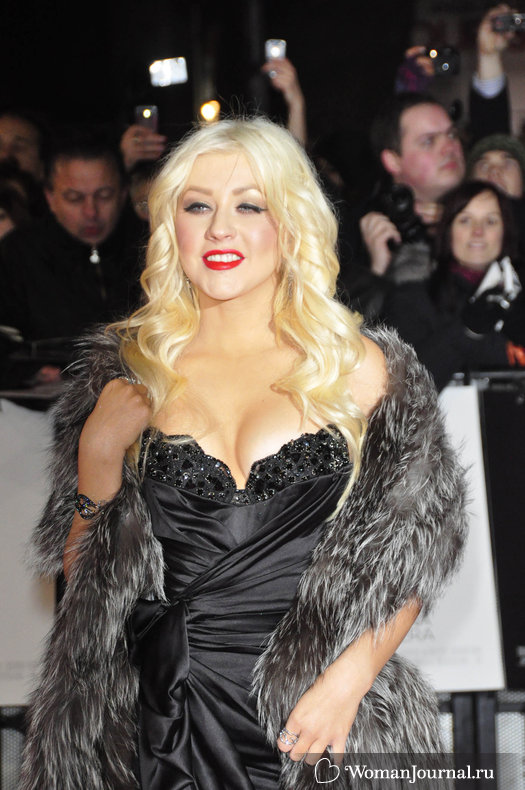 Декольте Кристины Агилера (Christina Aguilera)
