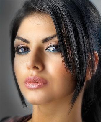 Откровенный фотосет певицы Анны Карапетян